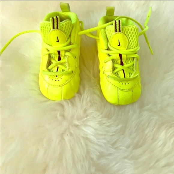 c031323784cc8 Brand New Infant LimeGreen Foamposites   Size 4c